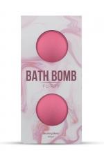 2 Bombes de bain Flirty - Dona - Détendez vous dans le bain avec les bombes de bain Dona Flirty délicatement parfumées aux baies rouges.