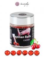 6 Brazillian balls - cerise - La chaleur du corps transforme la brazilian ball en liquide glissant au parfum de cerise, votre imagination s'en trouve exacerbée.